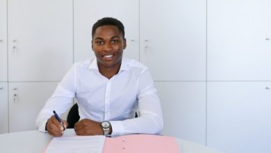 Photo of Ligue 1 : Loïc Bessilé a signé son premier contrat professionnel avec Bordeaux