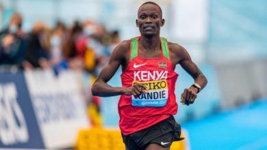 Photo de Kibiwott Kandie explose le record du monde du semi-marathon à Valence