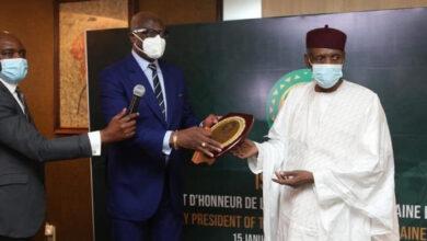 Photo de Issa Hayatou a été installé dans ses fonctions de président d'honneur de la CAF pour ses 30 ans passées à la tête de l'institution