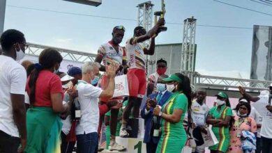 Photo de Grand Prix Cycliste Cimencam : Clovis Kamzong Abossolo vainqueur de la Première édition