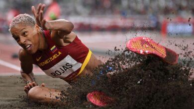 Photo de JO Tokyo (triple saut) : Yulimar Rojas bat le record du monde et le record Olympique détenu par Françoise Mbango