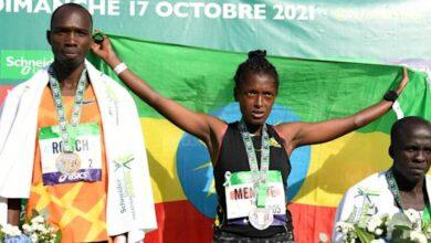 Photo de Elisha Rotich remporte le Marathon de Paris